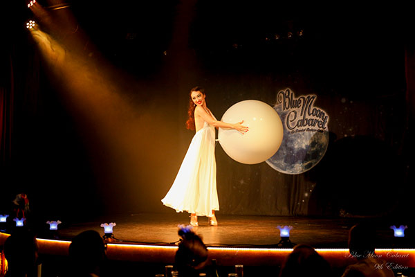 Boudoir Noir presents The Blue Moon Cabaret in Eindhoven - the decadent burlesque soiree